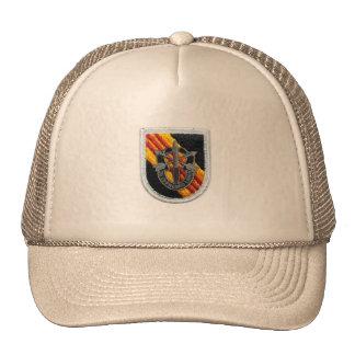les 5èmes forces spéciales groupent le chapeau de  casquettes