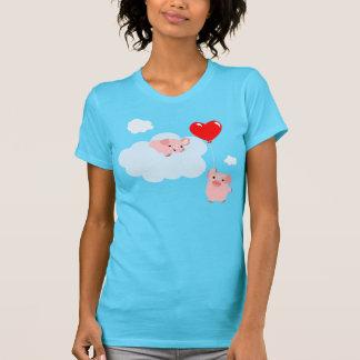 Les ailes du T-shirt de femmes d'amour (porcs de