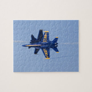 Les anges bleus exécutent le passage sur le fil du puzzle