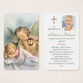 Les anges de prière de Dieu funèbre de la carte  