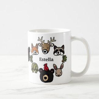 Les animaux mignons et amicaux de forêt, ajoutent mug