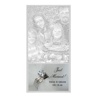 Les anneaux de mariage ont juste marié le carte