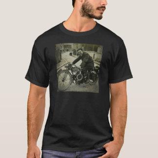 Les années 1900 tôt de cru britannique de moto t-shirt