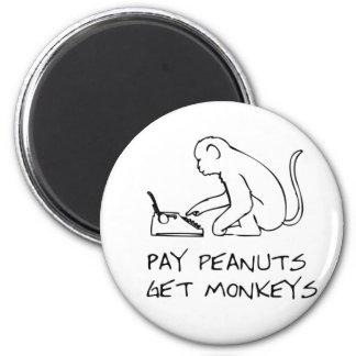Les arachides de salaire, obtiennent des singes - aimant