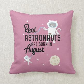 Les astronautes sont en août Ztw1w nés Coussin