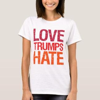 Les atouts d'amour détestent l'anti atout t-shirt