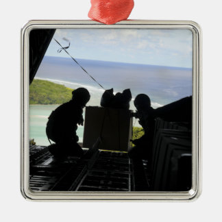 Les aviateurs éliminent une palette des ornement carré argenté