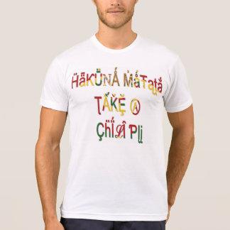 Les cadeaux de Hakuna Matata vintages prennent une T-shirt