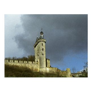 Les castletheis de Chinon de château sur un sommet Carte Postale