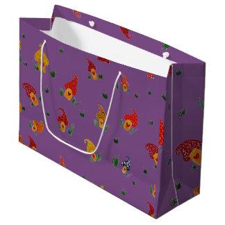 Les champignons avec le cadeau fait sur commande grand sac cadeau