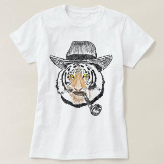 Les chats frais de bruit ont conçu le T-shirt