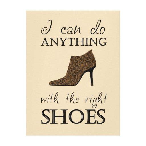 Les chaussures de droite toiles tendues sur châssis