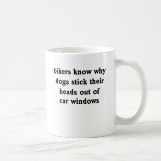 Les chiens n'est pas muet mug blanc