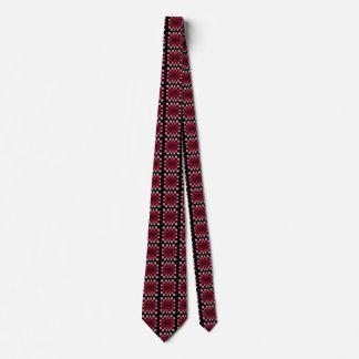 Les cravates d'échiquier des hommes rouges tordus