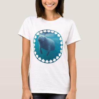 Les dames de lamantin ont adapté le T-shirt
