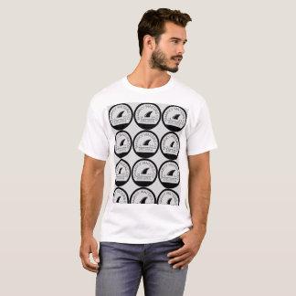 Les eaux de Sharky ont couvert de tuiles le T-shirt