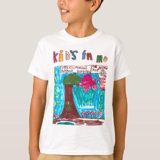 Les enfants de la sierra dans la chemise de t-shirt