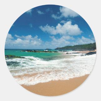 Les Etats-Unis, Kauai, Hawaï. Une femme flâne les Sticker Rond