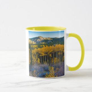 Les Etats-Unis, le Colorado. Trembles jaunes Mug