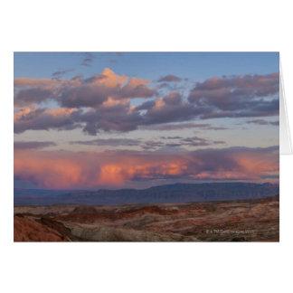 Les Etats-Unis, Nevada, vallée du feu au coucher Cartes