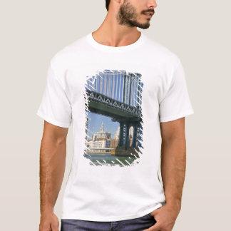 Les Etats-Unis, New York, New York City. Pont de T-shirt