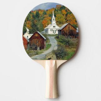 Les Etats-Unis, Vermont, attendent la rivière. Le Raquette De Ping Pong