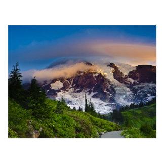 Les Etats-Unis, Washington, le mont Rainier. Le Cartes Postales