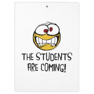 Les étudiants viennent