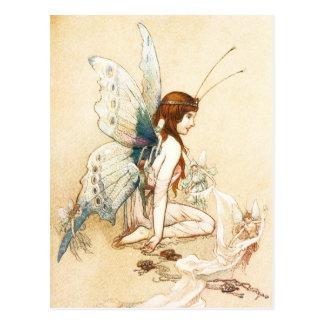 Les fées lui ont apporté une paire d'ailes carte postale