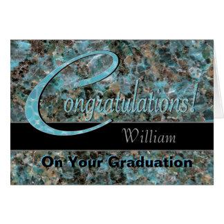 Les félicitations reçoivent un diplôme la carte de vœux
