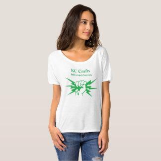 Les femmes desserrent le blanc t-shirt