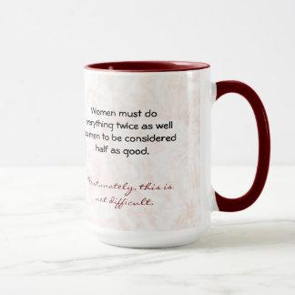 Les femmes doivent faire tout deux fois aussi bien mug