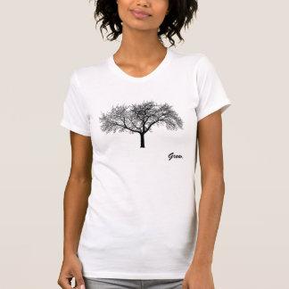 Les femmes élèvent la chemise d'arbre t-shirt