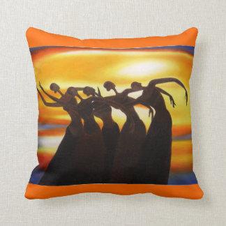 Les femmes unissent le carreau africain d'art coussin décoratif