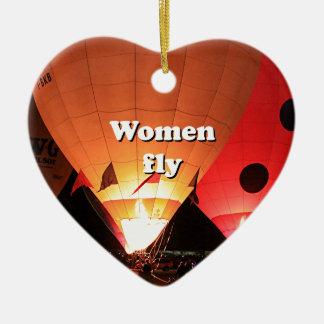 Les femmes volent : ballon à air chaud 2 ornement cœur en céramique