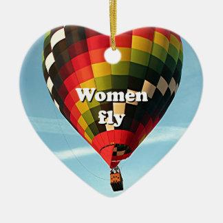 Les femmes volent : ballon à air chaud ornement cœur en céramique