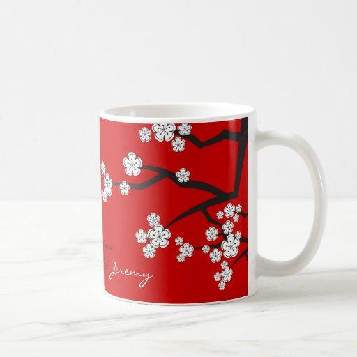 Les fleurs de cerisier Sakuras blanc fleurissent l Tasse