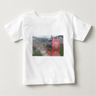 Les funiculaires de Medellín Colombie T-shirt Pour Bébé