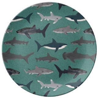 Les garçons de requin verdissent des animaux assiettes en porcelaine