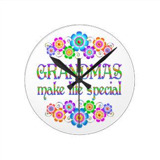 Les grand-mamans font le Special de la vie Horloge Ronde
