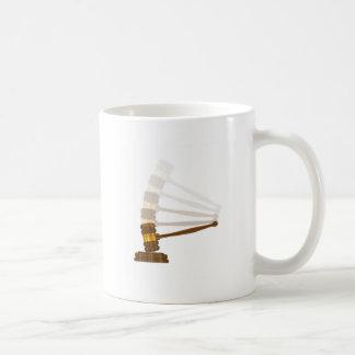 Les juges gravellent frapper le bloc mug
