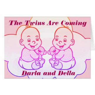 Cartes Les jumeaux de fille sont prochaine carte de baby