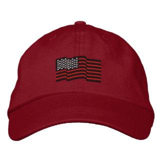 Les lignes rouges minces casquette brodé