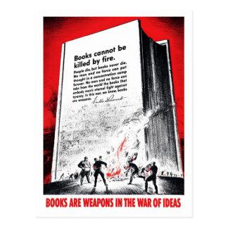 """Les """"livres sont carte postale d'armes"""""""