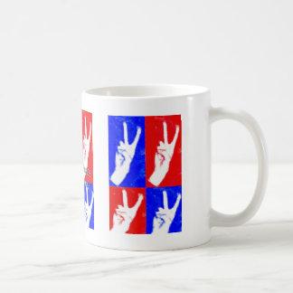 Les mains de Paix-Prêtent le vôtre Mug Blanc