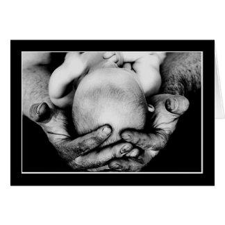 Les mains protectrices sûres du père carte de vœux