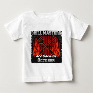Les maîtres de gril sont nés en octobre t-shirt pour bébé