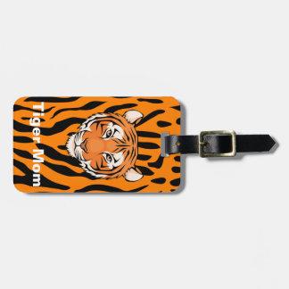 Les mamans de tigre montrent leurs rayures de étiquette pour bagages