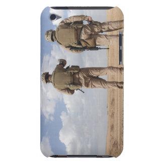 Les marines balayent l'horizon pour l'activité coque iPod Case-Mate