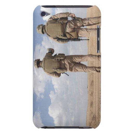 Les marines balayent l'horizon pour l'activité ins coque iPod Case-Mate